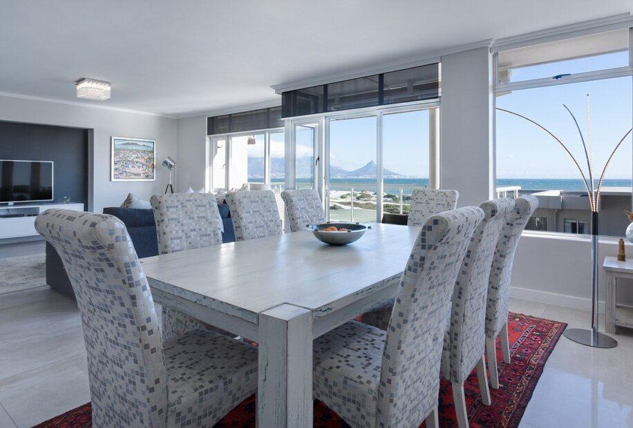 dining-room-3108037_1280 (1)